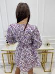 Sukienka mini zapinana na guziki z falbanką przy ramionach biała z fioletem Honita 02 - photo #6