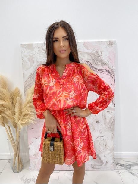 Sukienka z odkrytymi ramionami w print różowych liści Marika 51
