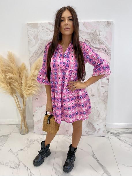 Sukienka w łatki z dekoltem V różowa we wzory Pongo 02