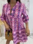 Sukienka w łatki z dekoltem V różowa we wzory Pongo 02 - photo #2
