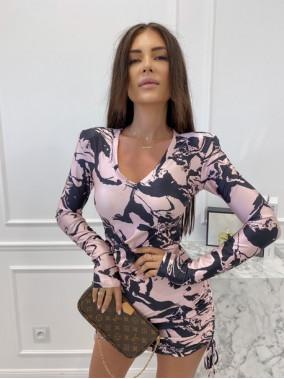 Sukienka w paski i serca na długi rękaw czarno biało różowa  Oktawia 25
