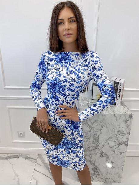 Sukienka mini we wzory z odkrytymi plecami biała w niebieskie kwiaty Mateos 114