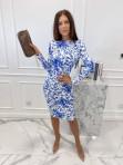 Sukienka mini we wzory z odkrytymi plecami biała w niebieskie kwiaty Mateos 114 - photo #1