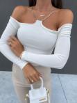 Bluzka z łańcuszkami i wyciętymi ramionami biała Azala 30 - photo #4