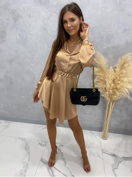 Sukienka satynowa mini na długi rękaw z łańcuszkiem karmel Nizi 09