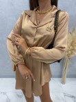 Sukienka satynowa mini na długi rękaw z łańcuszkiem karmel Nizi 09 - photo #2