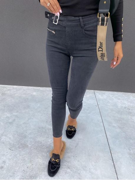 Spodnie jeansowe z paskiem i małym zamkniem z przodu czarne Olaf 14